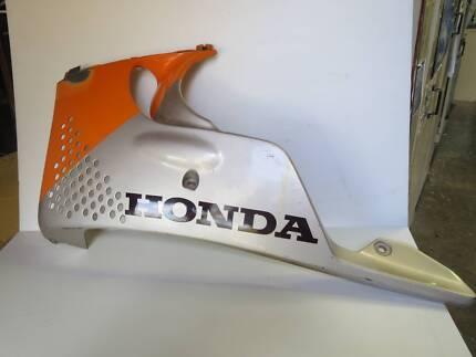 1992-93 Honda CBR 900RR Left Side Lower Fairing, OEM#64470-MWOB-0 Seven Hills Blacktown Area Preview