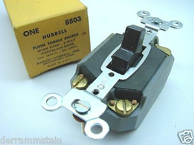 Hubbell 8803 Vintage 3-way Toggle Switches Porcelean Base In Box B92