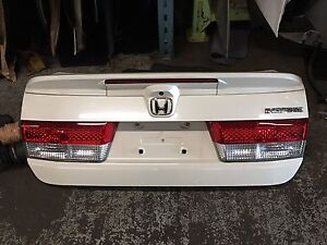 Honda Accord 03/05 rear trunk with spoiler and camera