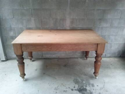 beautiful antique pine kitchen table antique pine kitchen table   antiques art  u0026 collectables      rh   gumtree com au