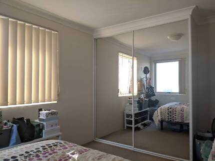 Room to rent in great appartment in Hurstville