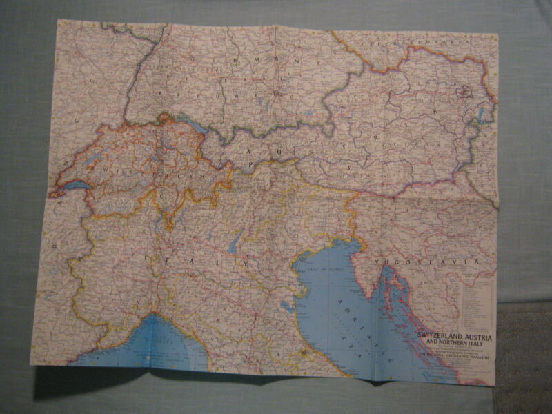 VINTAGE SWITZERLAND, AUSTRIA & NORTHERN ITALY MAP National Geographic 1965 MINT