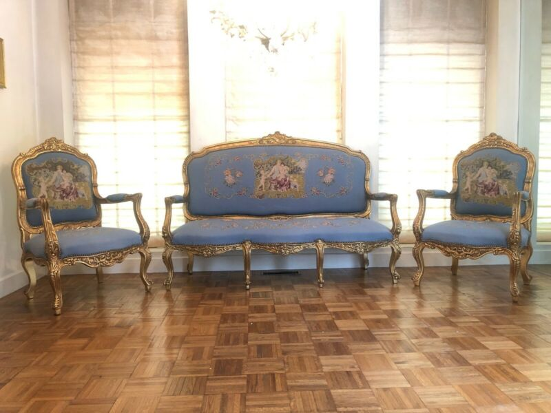 19th Century French Aubusson Carved Giltwood Salon Suite with Settee and Chairs