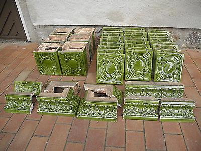 Ofenkacheln von einem antiken Kachelofen 49 Teile um 1900