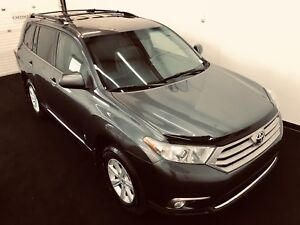 2011 Highlander AWD heated seats, handsfree calling, 7 seats