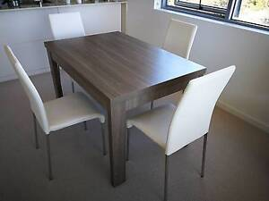 A VERY NICE DINING TABLE & FOUR CHAIRS Macquarie Park Ryde Area Preview