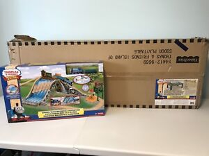 BNIB Thomas and Friends train set and train table