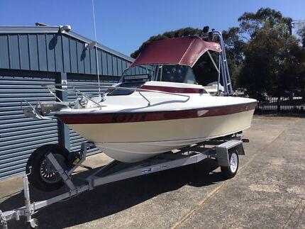 Streaker Cutter Cabin Fishing Boat