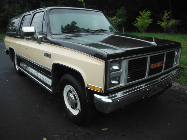 1987 Gmc Suburban 2500 65 454miles 3rows 4drs 5 7liter 8cyl Coldairconditioning Used Gmc