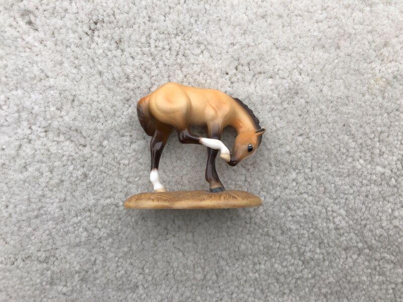 Breyer Stablemate Porcelain #8140 American Quarter Horse Scratching Foal G2