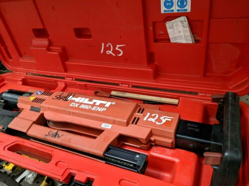 HILTI MX860-ENP STAND-UP POWDER ACTUATED NAILER with case.