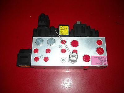 Eaton Vickers MCD-7818 Hydraulic Manifold Valve. New!