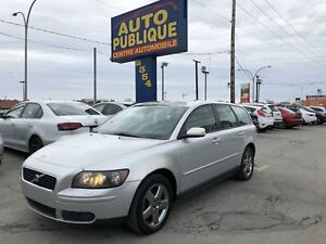 Volvo V50 T5 AWD 2005 cuir toit turbo traction integrale