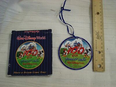 DISNEY WORLD 100 YEARS OF MAGIC CHARACTER CHRISTMAS TREE ORNAMENT round
