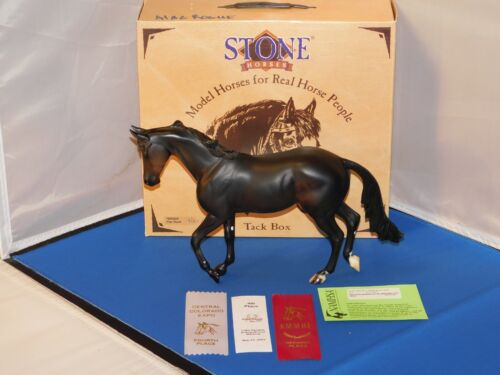 2003 Peter Stone Thoroughbred Alae Rouge Model Horse With Box & Papers! Matte