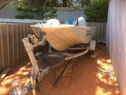 Quintrex 3.9 hornet Boat