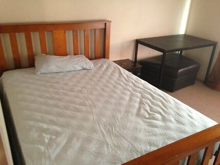 RENT - FURNISHED SINGLE ROOM FOR A MUSLIM GIRL