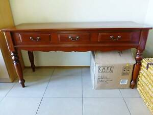 PRICE REDUCED - Sofa table / hall table Nowra Nowra-Bomaderry Preview