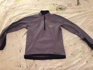 Mountain Hardwear Sweater