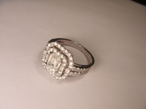 Magnificent 18K White Gold 1 One carat GIA Certified Diamond Engagement Ring