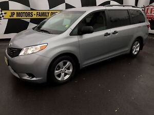 2015 Toyota Sienna 3rd Row Seating, Back Up Camera