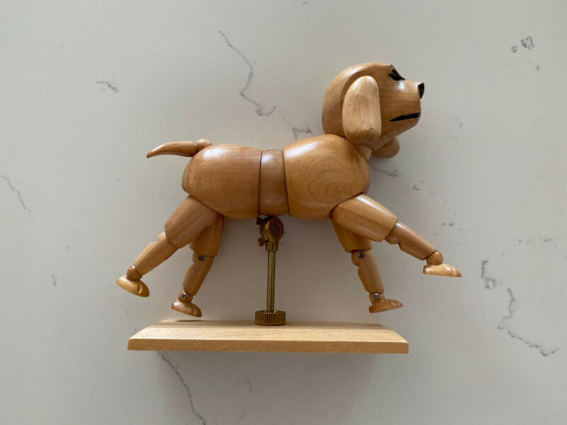 RARE VINTAGE Wooden Dog Drawing Figure Posable. Beagle Art Good Condition