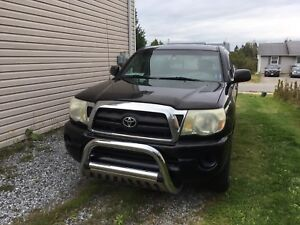2005 Toyota Tacoma Access Cab Pickup Truck 2WD