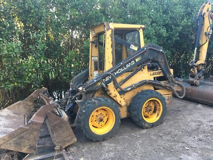 New Holland L455 skid steer loader