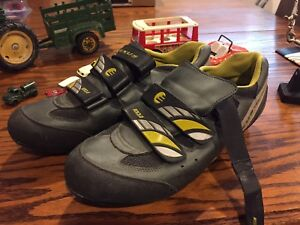 Size 12 cycling shoes