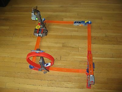 Hot Wheels Trick Tracks Four Stunt Starter Set