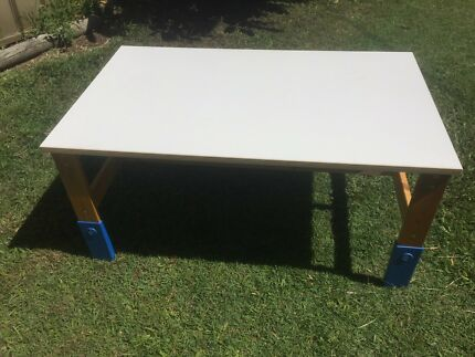 Kids table 600x1000 x 480 high