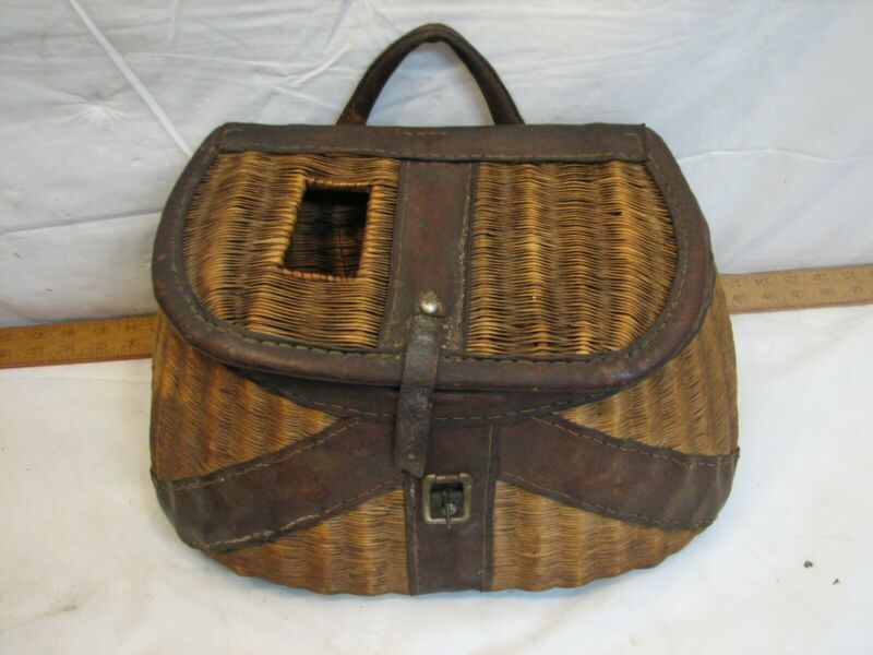 Early Wicker Leather Fly Fishing Trout Fish Creel Basket Pouch Fishing Tool