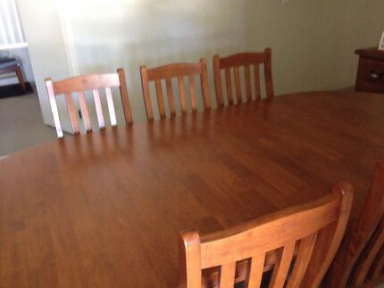 Solid timber 8 seater dining suite - Excellent condition! Pimpama Gold Coast North Preview