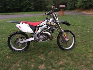 Cr250 2002 en bonne condition