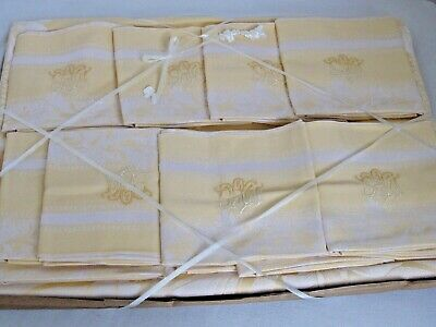 Beautiful 1950s Daisies and Ribbons Vintage Tablecloth and Napkin Set-UNUSED AND MWT