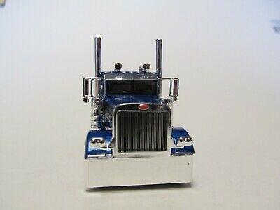 DCP FIRST GEAR 1/64 SCALE 389 PETERBILT FLAT TOP, BLUE WITH BLACK/ SILVER STRIPE 3