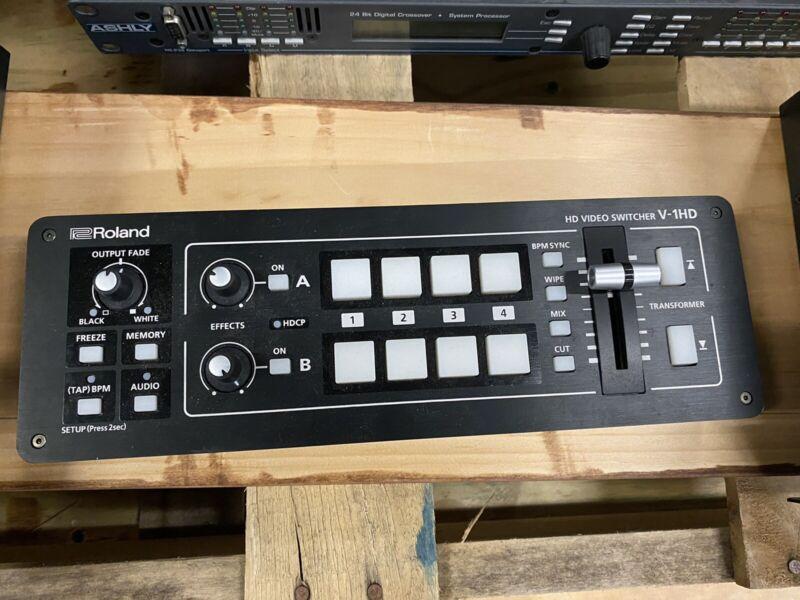 Roland V-1HD HD Video Switcher - Black