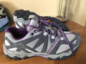 Merrell Hiking shoes like new! Size five and a half