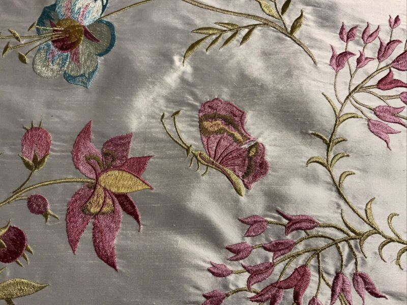 LEE JOFA 'GUINEVERE' WHITE EMBROIDERED SILK FABRIC REMNANT