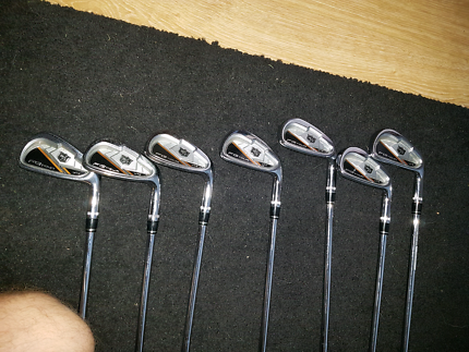 Wilson v4 golf irons 4 to pw
