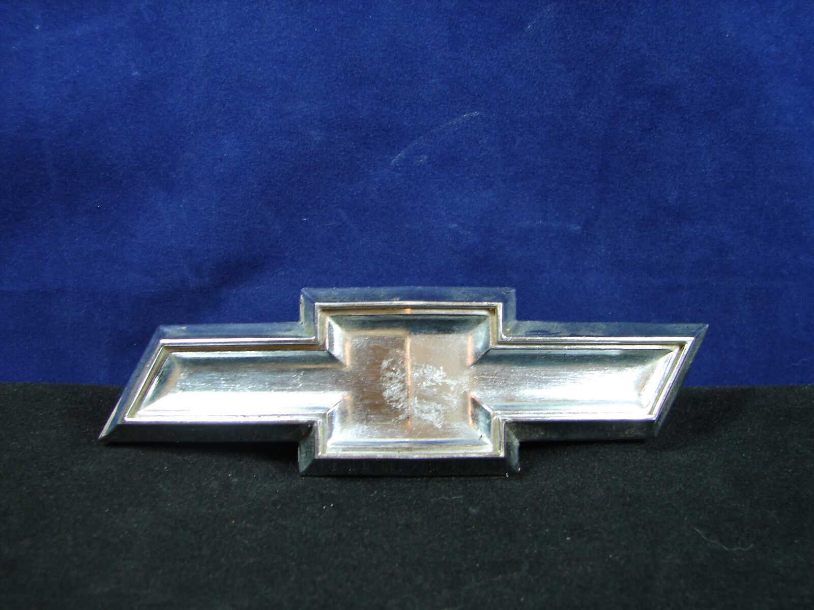 Used chevrolet emblems for sale page 20 chevrolet grille emblem silver metal rare auto buycottarizona Images