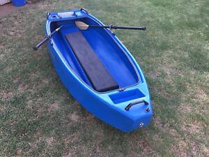 Finn Castaway 2.4 mt kayak