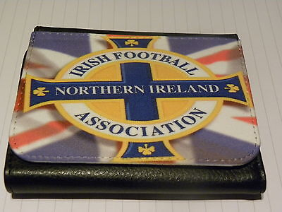 NORTHERN IRELAND FOOTBALL GREEN AND WHITE ARMY EXCLUSIVE TRI FOLD WALLET