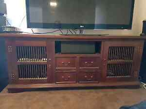 Barlinese style TV cabinet Merrimac Gold Coast City Preview