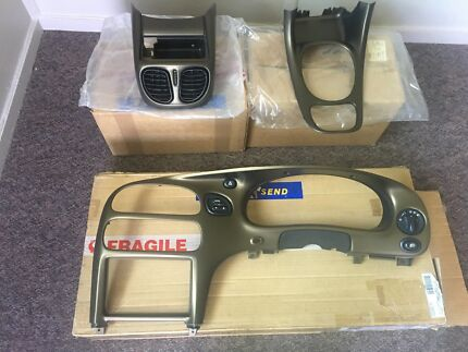 Holden VX SS Hyper mica/yellow complete dash and console set