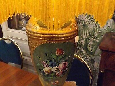 Usado, Lampada in ceramica dipinta a mano con cappello in seta anni 80 vintage comprar usado  Enviando para Brazil