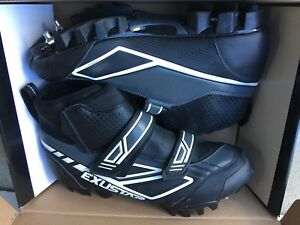 Cycling shoes Exustar size 44.......US10