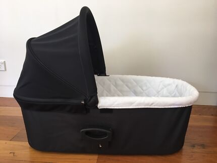 Baby Jogger Bassinet Deluxe Black