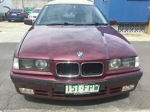 1995 BMW 318i Sedan 5 speed MANUAL Ormiston Redland Area Preview
