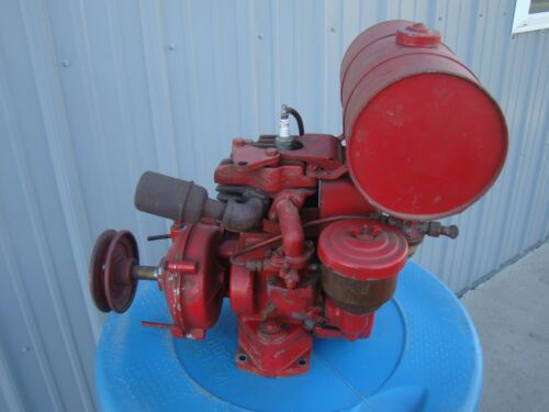 Vintage Original Antique Briggs & Stratton 8R6 Gas Engine